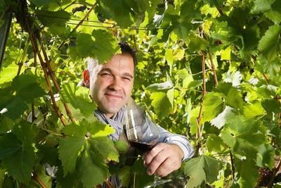 Weinstube geöffnet