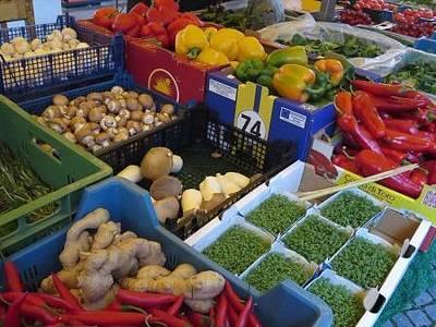 Wochenmarkt mit Spargelevent