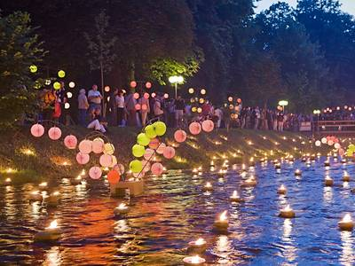 Großes Lichterfest im Kurpark