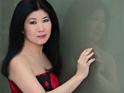 Chopin Pur Sachiko Furuhata at the piano