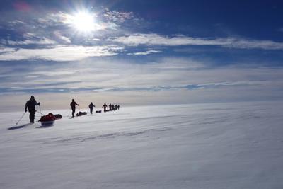 Dia- und Filmvortrag: Zu Fuß vom Nordpol in die Antarktis - mit Robby Clemens