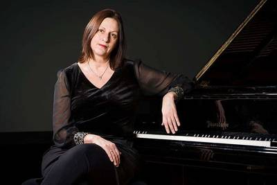 Grenzen sprengen - Matinée mit der Pianistin Anna Adamik