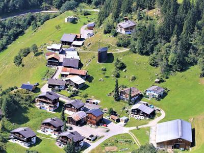 Kulturführung: Leben im Berggebiet mit Brotbacken in Sogn Benedetg