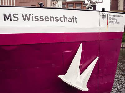 Bioeconomy: Exhibition ship MS Science