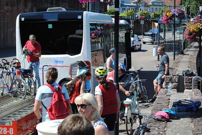 Saarschleifenbus. (© Saarschleifenland Tourismus GmbH, Franziskus Frank)