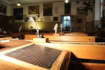 Historische Schulstunde mit Führung durch das Schulmuseum