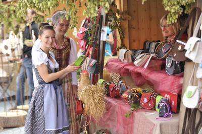 Erntedankfest mit Regional- und Kunsthandwerker-Markt am Kurplatz Bad Gögging