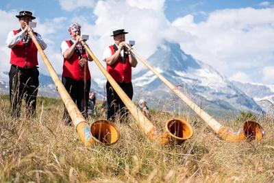 Swiss National Holiday with Lara Stoll