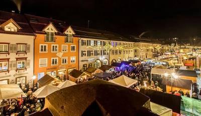 Bild Kuchenmarkt mit Spitzweckendorf