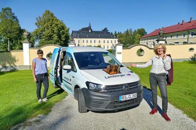 Humorvolle Bustour zu Schlössern und Herrenhäusern