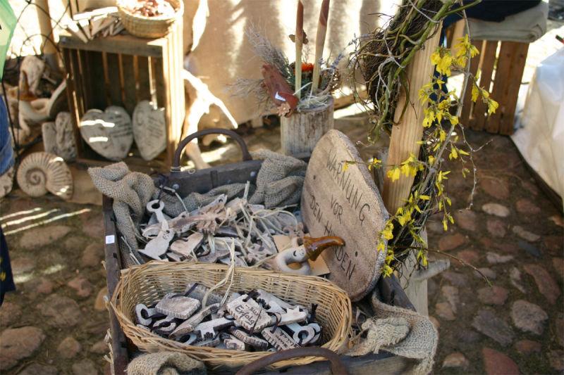Kunsthandwerkermarkt zur Krokusblüte