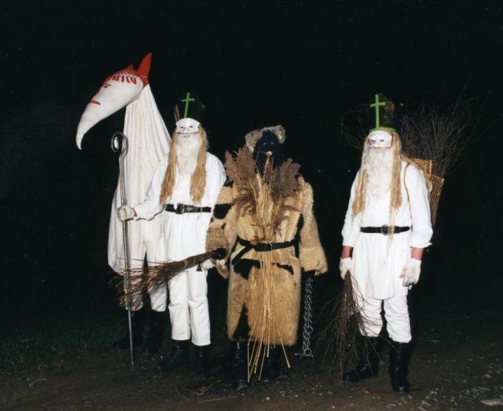 Die Steinacher Nikolausgruppe