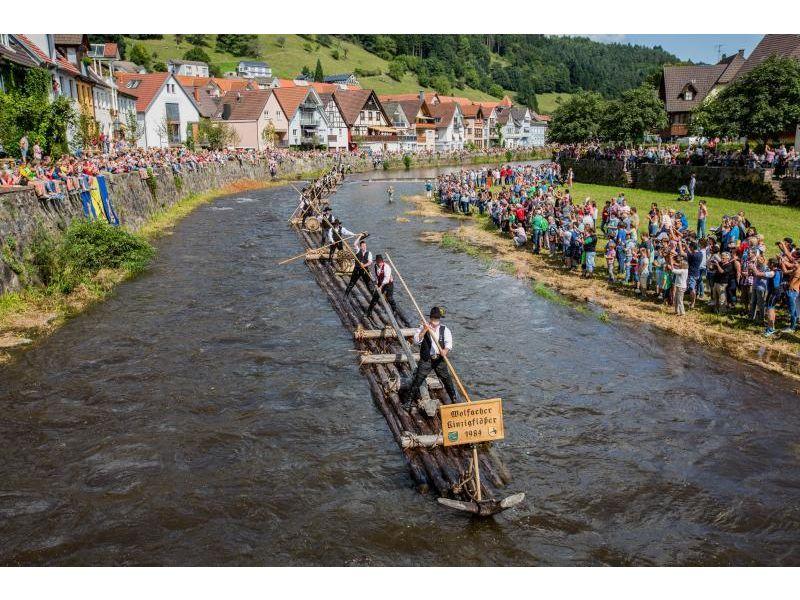 Historische Floßfahrt in Wolfach